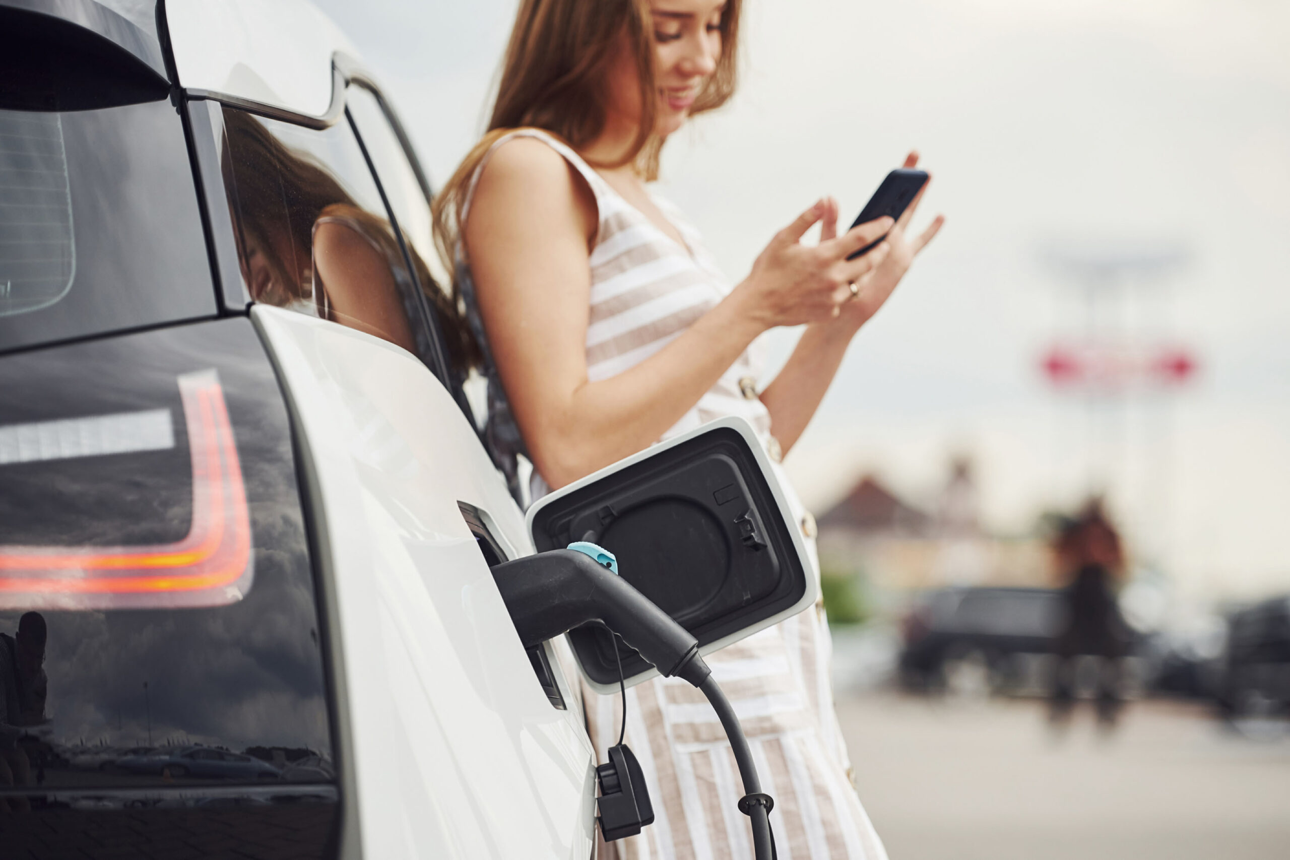 A NEW MODEL FOR SERVICE DELIVERY IN EMOBILITY